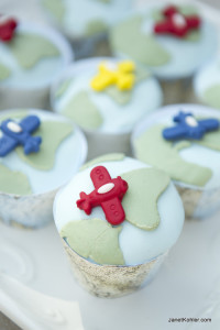 Travel party cupcakes